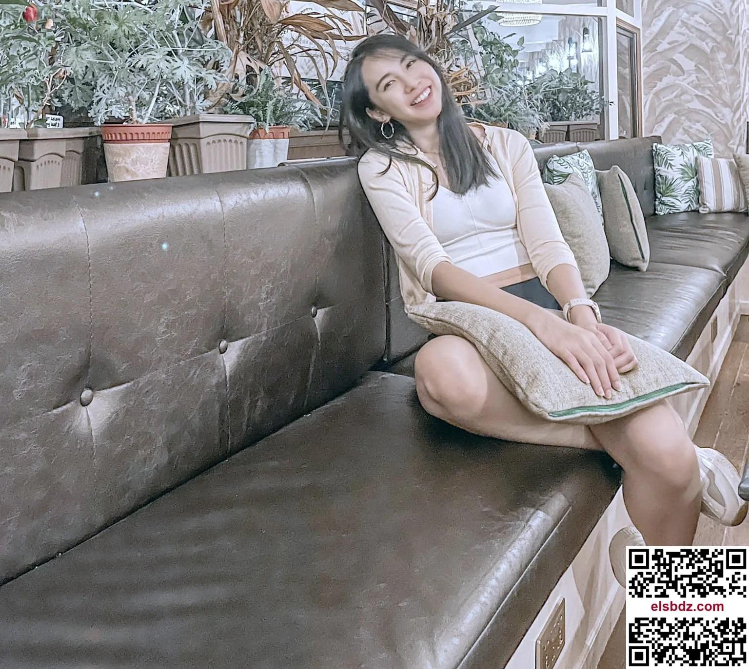 大马年轻人妻HUICY最爱展现美腿插图(1)