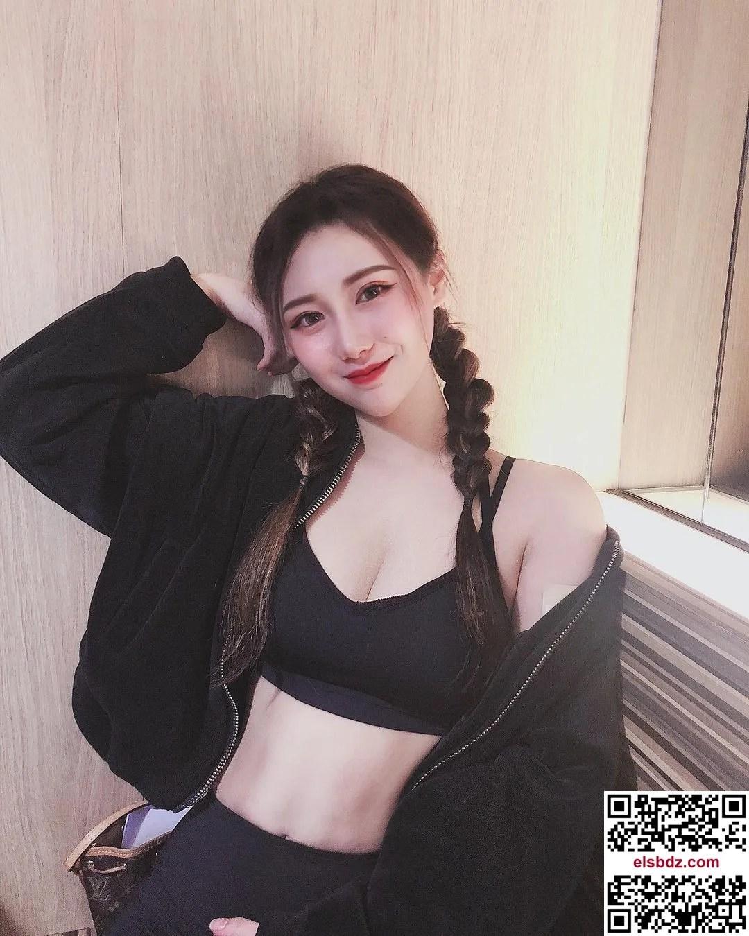 Dora内衣照曝光…胸型绝对极品插图(4)