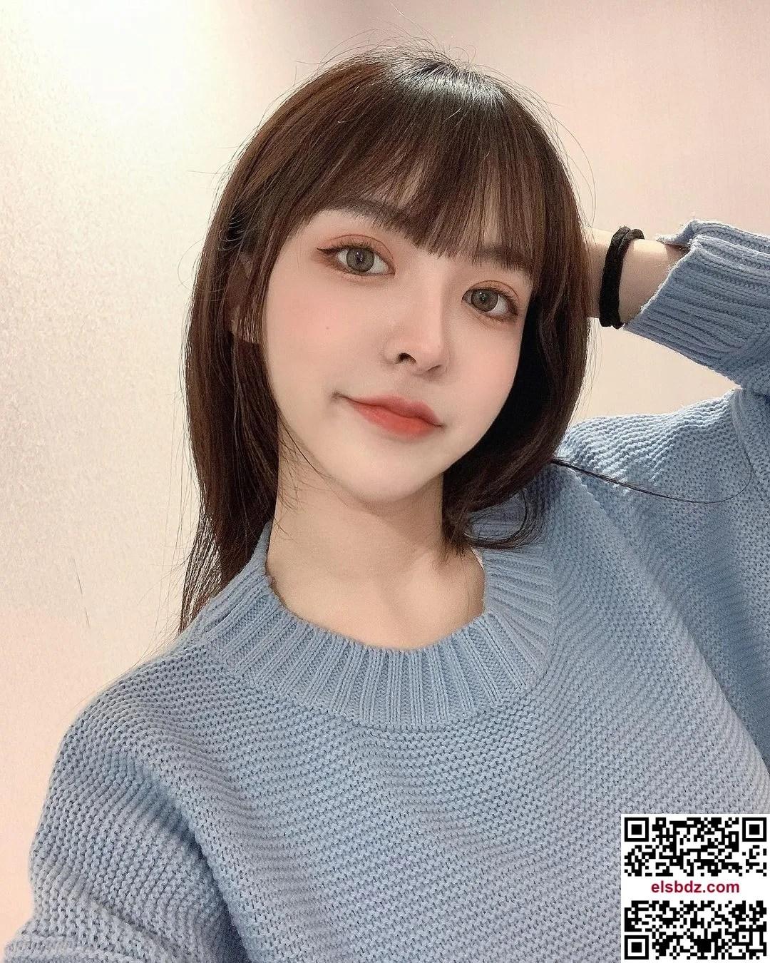 """LeeU """"窈宨曲线""""超诱人,""""一字领低胸造型""""电晕!插图(6)"""
