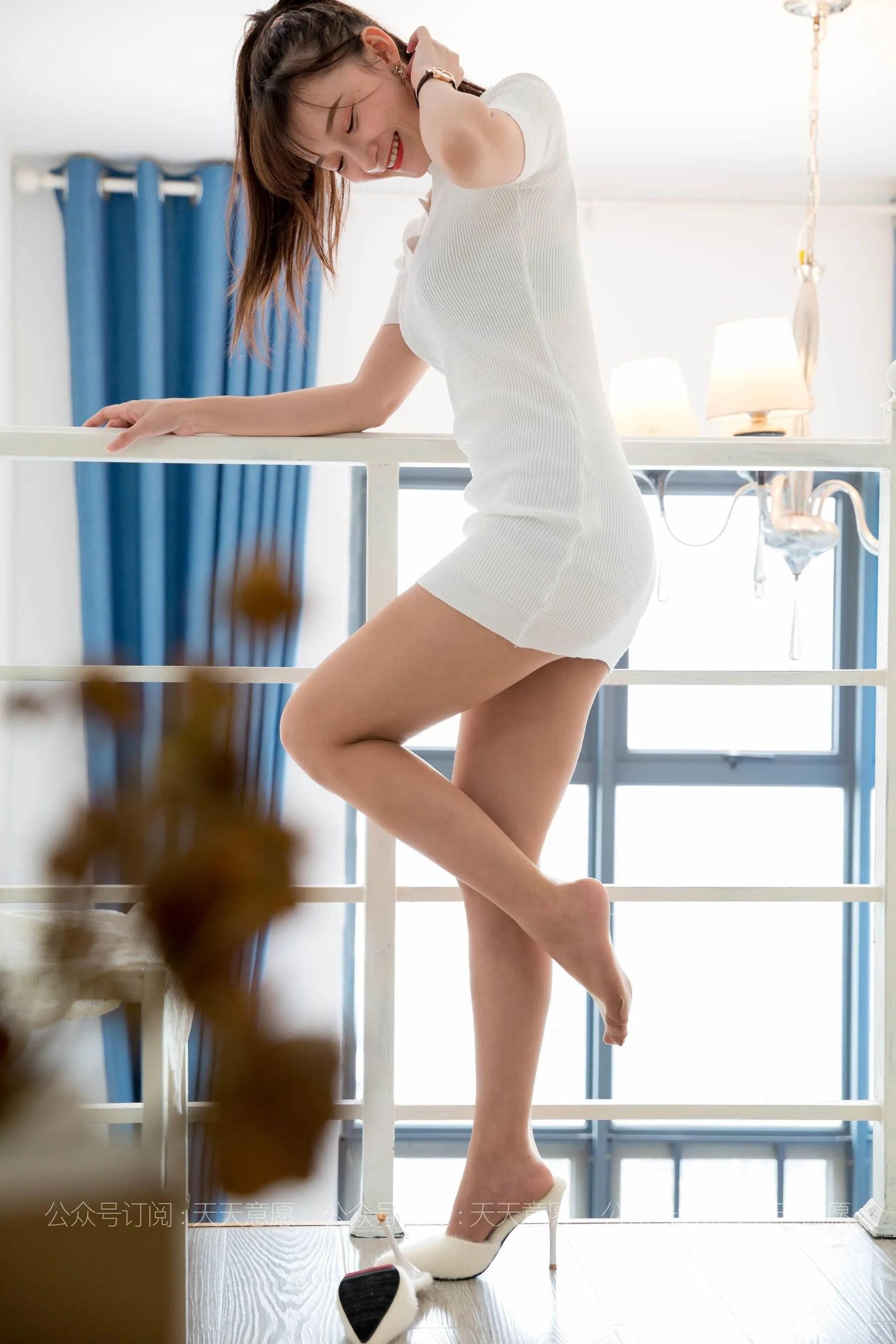 [IESS] 丝享家 767 秋秋《纯欲白短裙》 丝袜美腿写真[91P]插图(11)