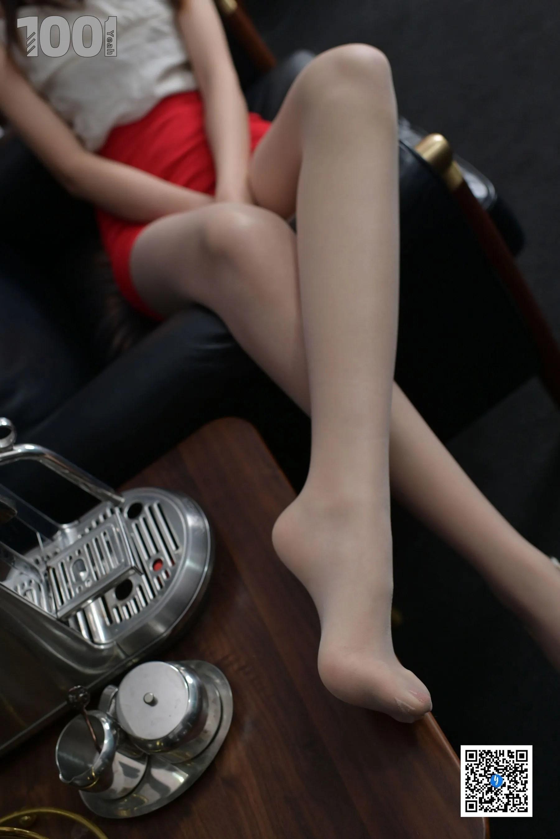 [IESS] NO.188 【一抹红2】 丝足美腿写真[90P]插图(10)