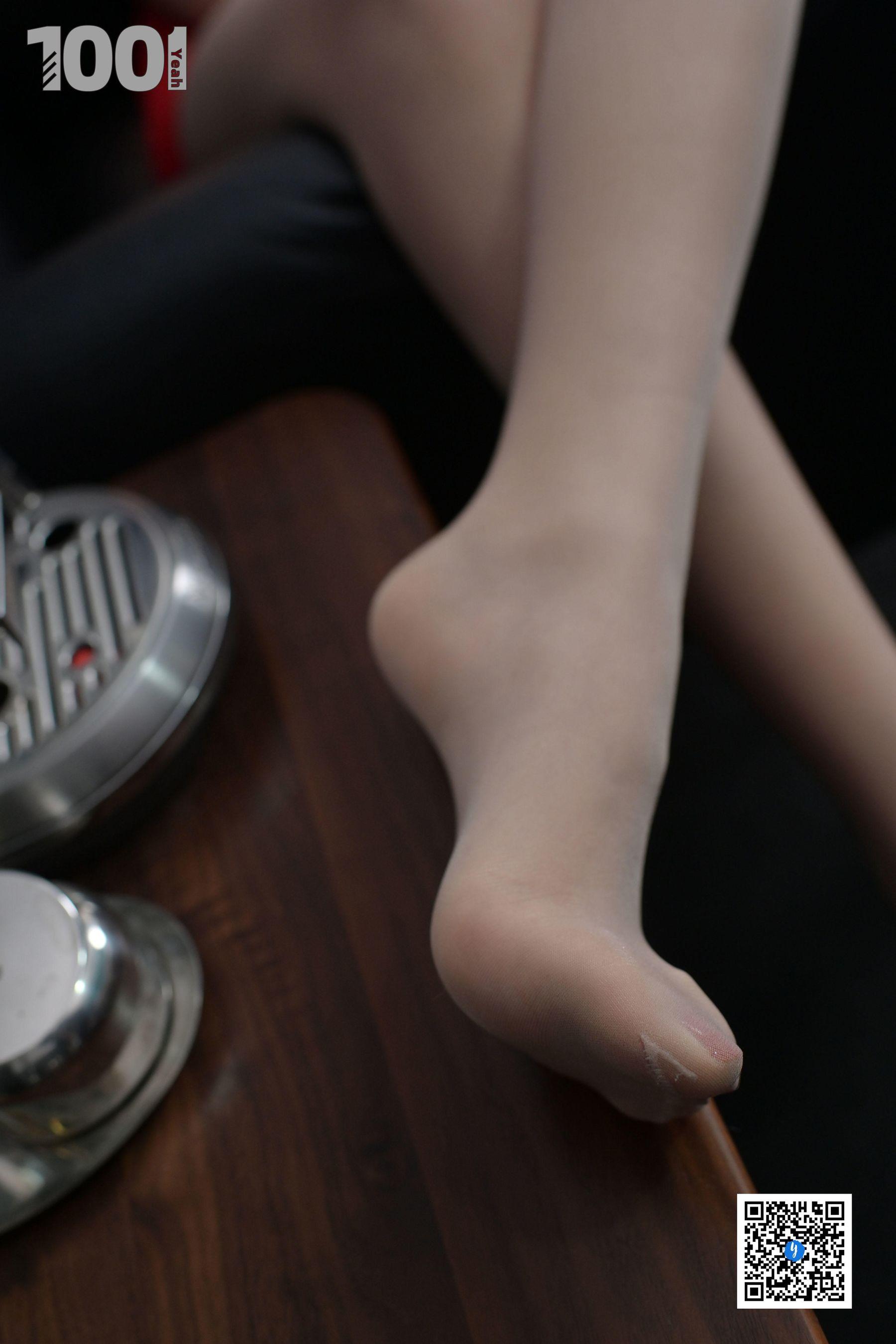 [IESS] NO.188 【一抹红2】 丝足美腿写真[90P]插图(9)