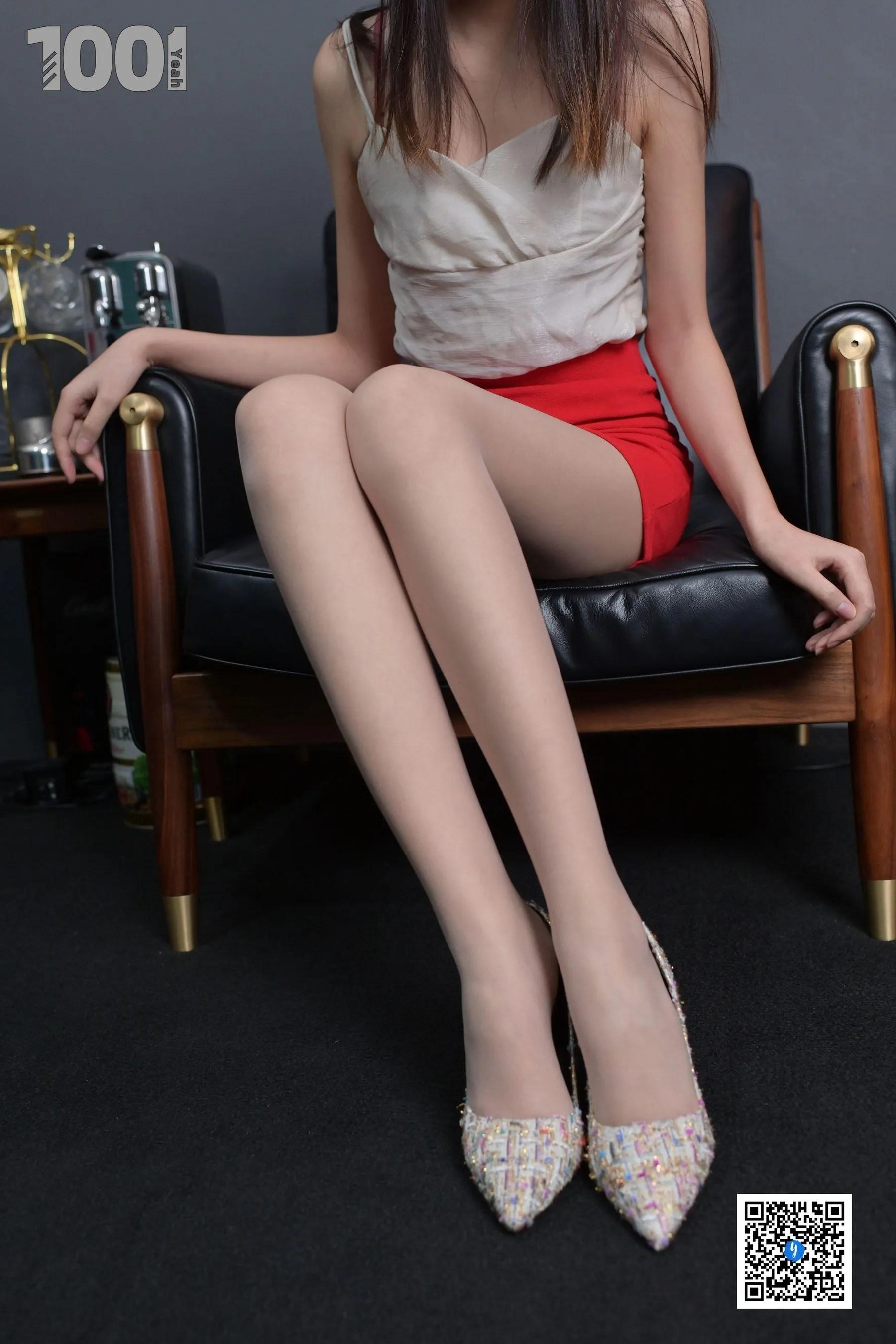 [IESS] NO.187 【一抹红】  丝袜美腿写真[87P]插图(11)