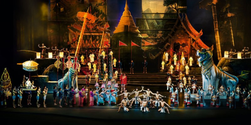 【曼谷旅遊】曼谷自由行:曼谷暹羅天使劇場表演秀Siam Niramit,泰國最大劇場表演!泰國傳統文化華麗演出、自助晚餐、黃金席座位分享