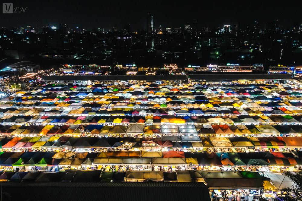 曼谷拉差達火車夜市