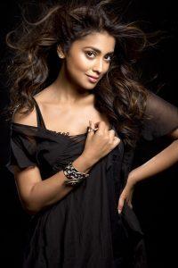 Actress Shriya Saran Hot30