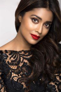 Actress Shriya Saran Hot54