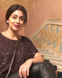 Actress Shriya Saran Hot60