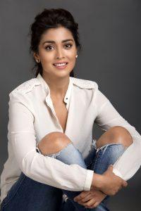 Actress Shriya Saran Hot70