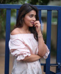 Actress Shriya Saran Hot93