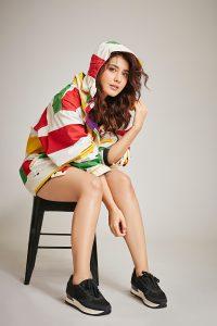 Rashi Khanna Latest HD Pics