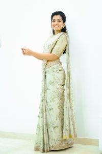 Rashmika Mandanna Beautiful Pics In Saree4