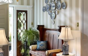 entryway decorating ideas pilotprojectorg home elements and style 701x451 1