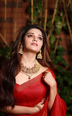 Actress Aathmika Cute, Hot, Gorgeous Pictures5