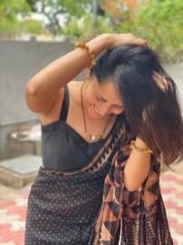 Anasuya Bharadwaj In Black Saree2