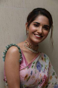Ruhani Sharma Hot In Saree8