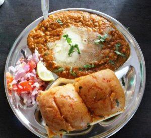 Best street food in delhi | Famous Best Street Food Places in Delhi
