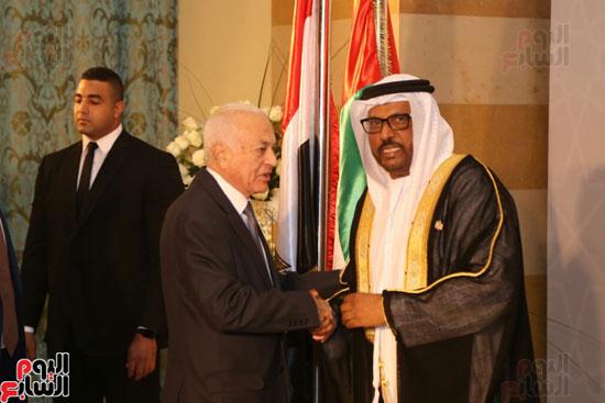 السفير جمعة مبارك الجنيبى يستقبل الدكتور نبيل العربى