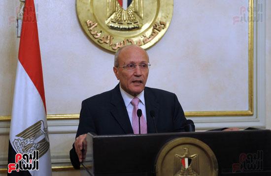 محمد العصار وزير الانتاج الحربى (1)