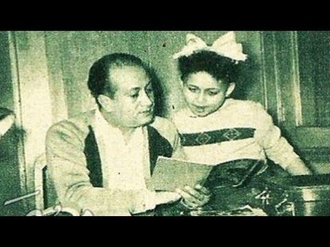 الفنانة هالة فاخر مع والدها الفنان الراحل فاخر فاخر