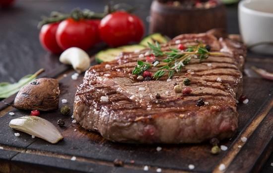 طريقة عمل ستيك اللحم (4)