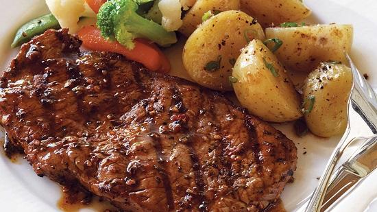 طريقة عمل ستيك اللحم (2)