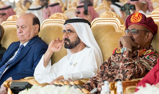 حاكم دبى ورئيس اليمن ورئيس السودان يتابعون التدريبات العسكرية