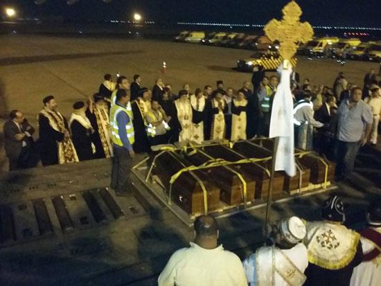 رفات الأقباط المصريين ضحية مذبحة سرت الليبية (1)