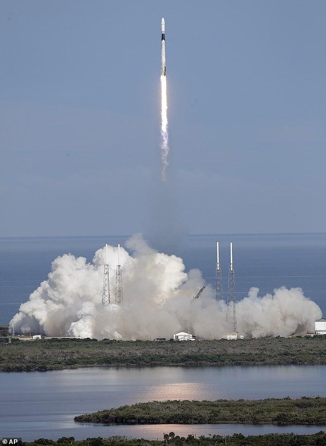 انطلاق الصاروخ