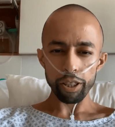 محارب السرطان خلال تلقيه العلاج