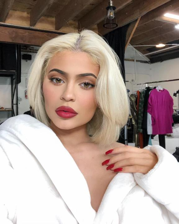 kyliejenner_47693919_2317448745151958_3721605747279028541_n