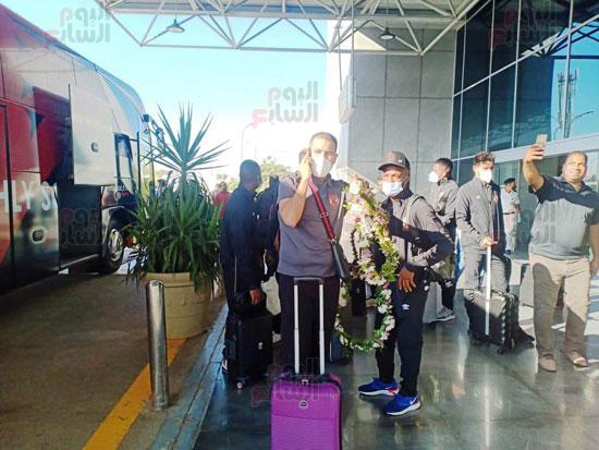 وصول بعثة الأهلي إلى القاهرة قادمة من المغرب (6)