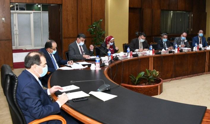 وزير البترول خلال لقاء وفد جمعية المستثمرين