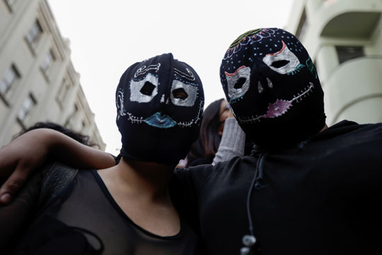 2020-11-03T004831Z_559407050_RC2CVJ9KKXRF_RTRMADP_3_MEXICO-DAYOFTHEDEAD-WOMEN-PROTEST