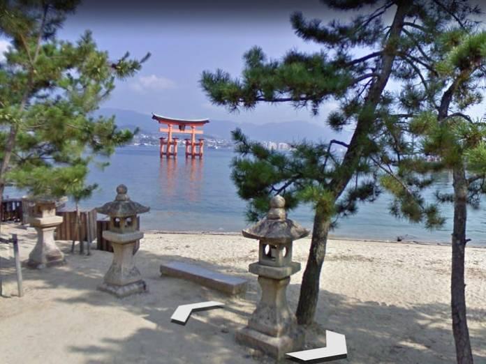 Itsukushima shrine m