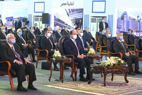 الرئيس عبد الفتاح السيسي داخل محطة مترو عدلى منصور  (3)
