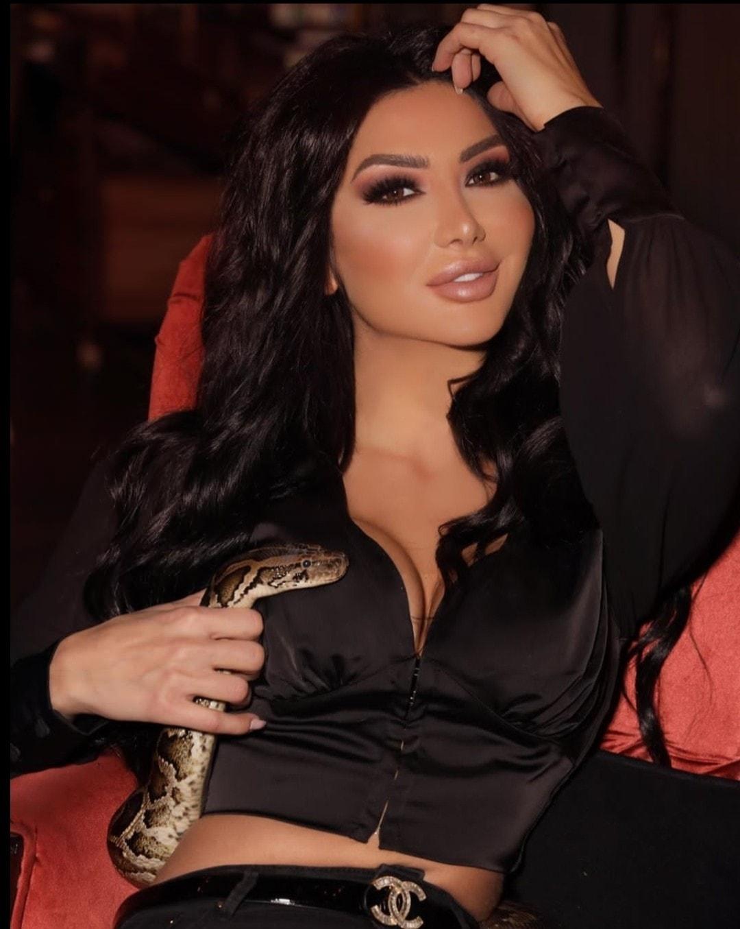 الممثلة السورية دانا جبر