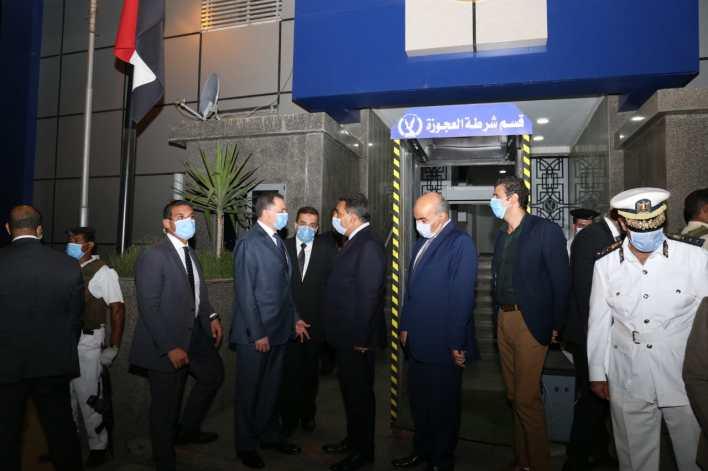 وزير الداخلية يتفقد الحالة الأمنية بالقاهرة والجيزة  (6)