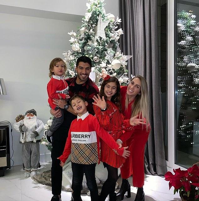 Luis Suarez with his family
