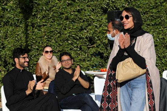 الأميرة صفية حسين تشكر الجلسة عرض أزياء لأحدث مجموعاتها من العبايات