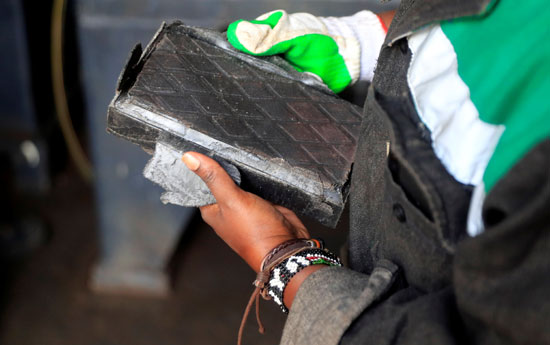 Kenya manufactures bricks stronger than concrete, recycling plastic waste (4)