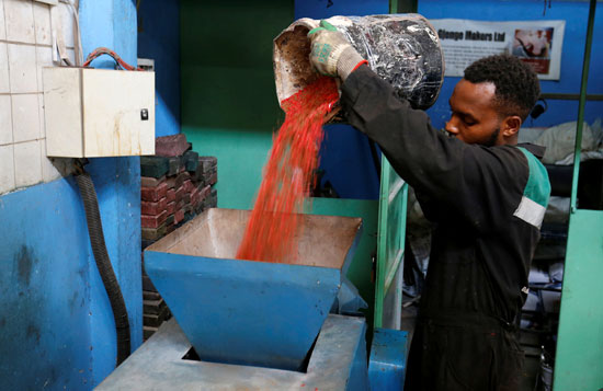 Kenya makes bricks stronger than concrete, recycling plastic waste (5)