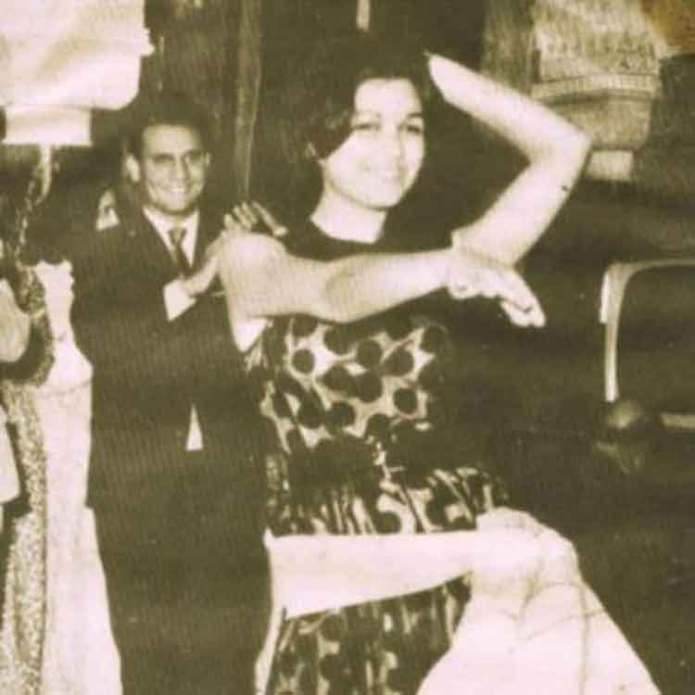 Abdel Halim Hafez claps to the dance of Souad Hosni