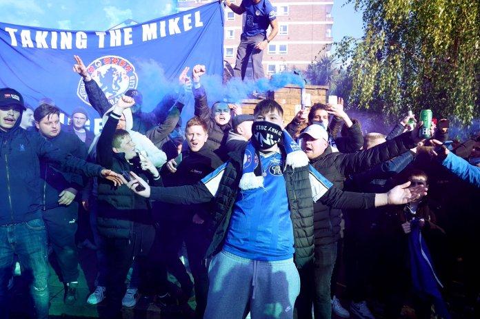 Chelsea fans (7)