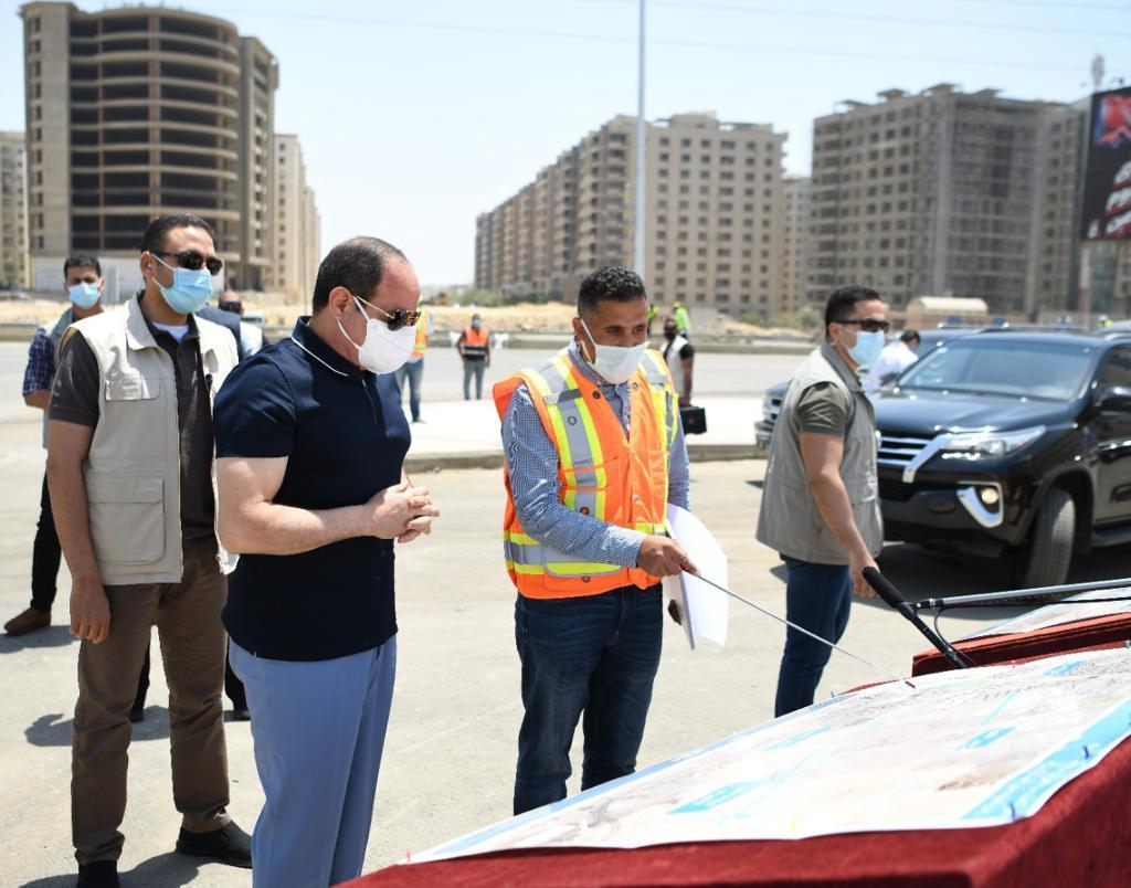 الرئيس السيسى يتفقد أعمال التطوير والصيانة للطريق الدائري (3)