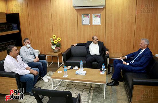 الرئيس التنفيذى لجى بى غبور أوتو فى زيارة لـاليوم السابع (3)