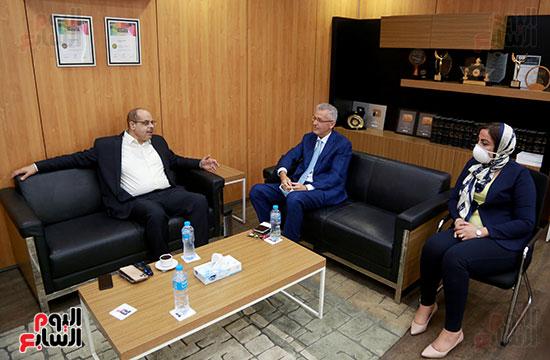 الرئيس التنفيذى لجى بى غبور أوتو فى زيارة لـاليوم السابع (10)