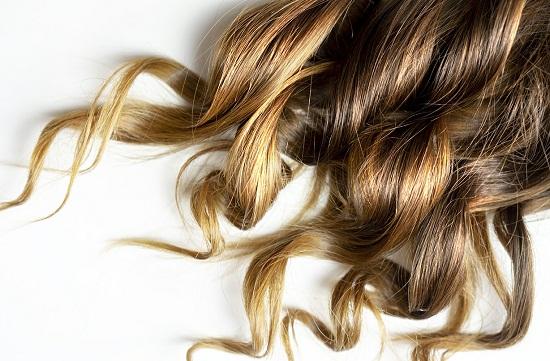 وصفات طبيعية لتطويل الشعر