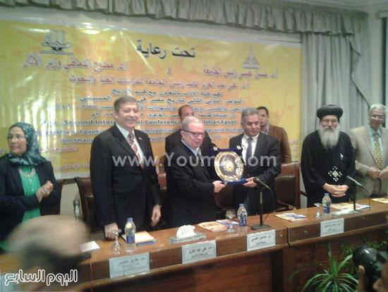 تكريم وزير الآثار الدكتور ممدوح الدماطى -اليوم السابع -5 -2015
