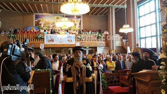 البابا أثناء صلاته  -اليوم السابع -5 -2015
